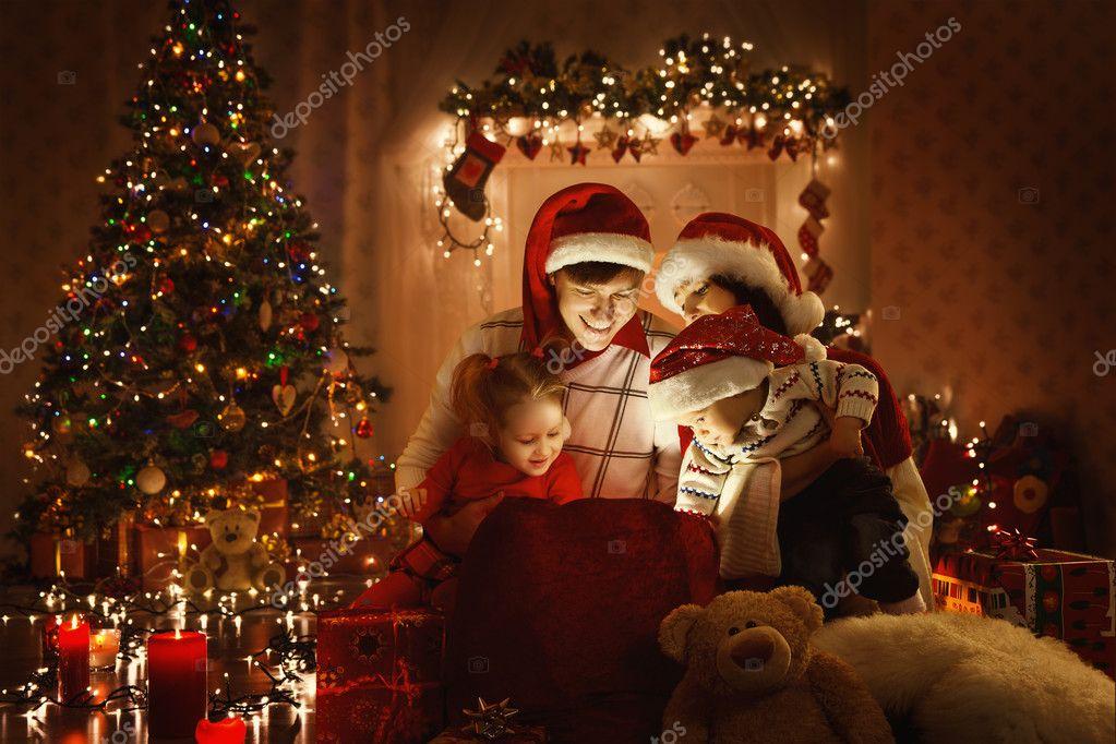Familie offen Weihnachtsgeschenk Geschenk Tasche, Blick auf Magic ...