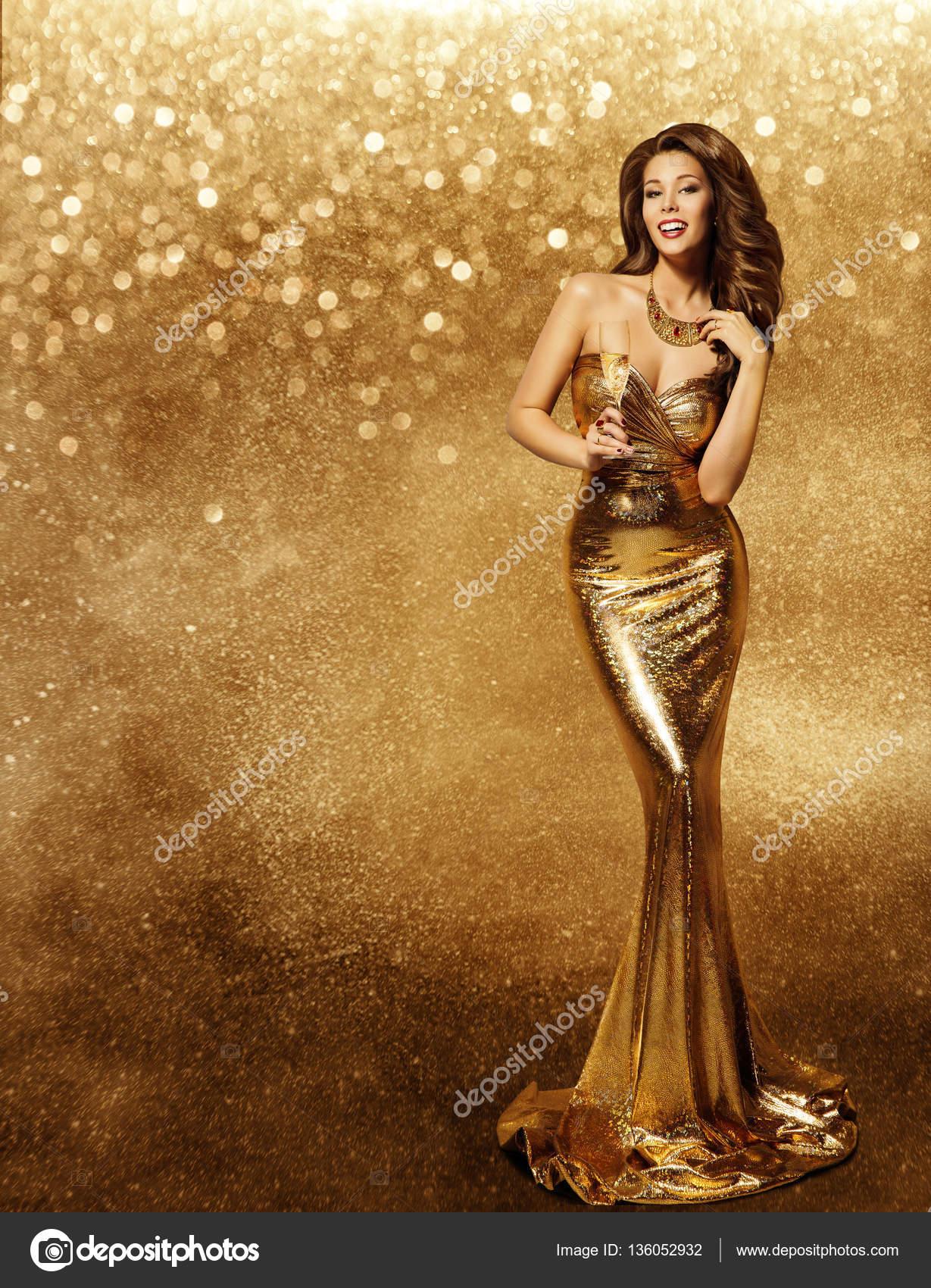 Modelos de vestidos de noche dorados