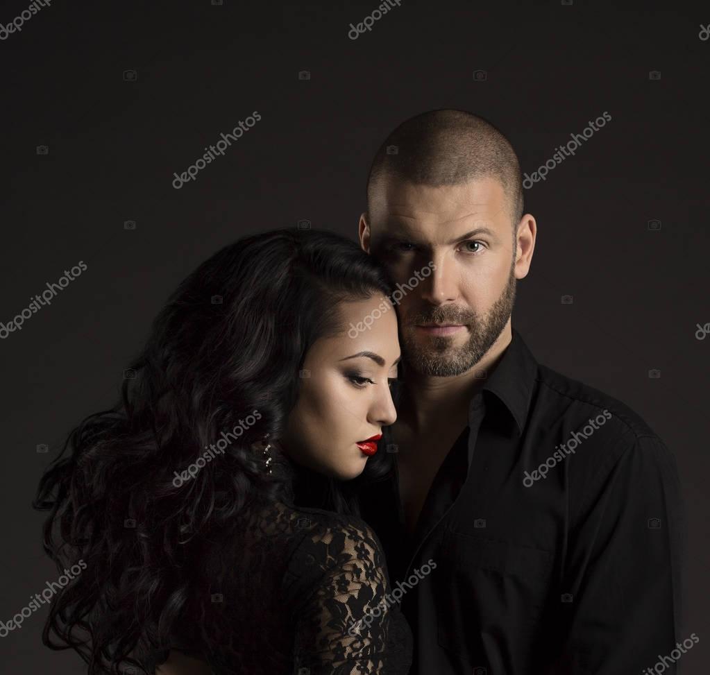 Beijo De Amor Do Casal Sexy, Homem De Terno Beijo Sensual Moda Mulher  Stock Photo -8474