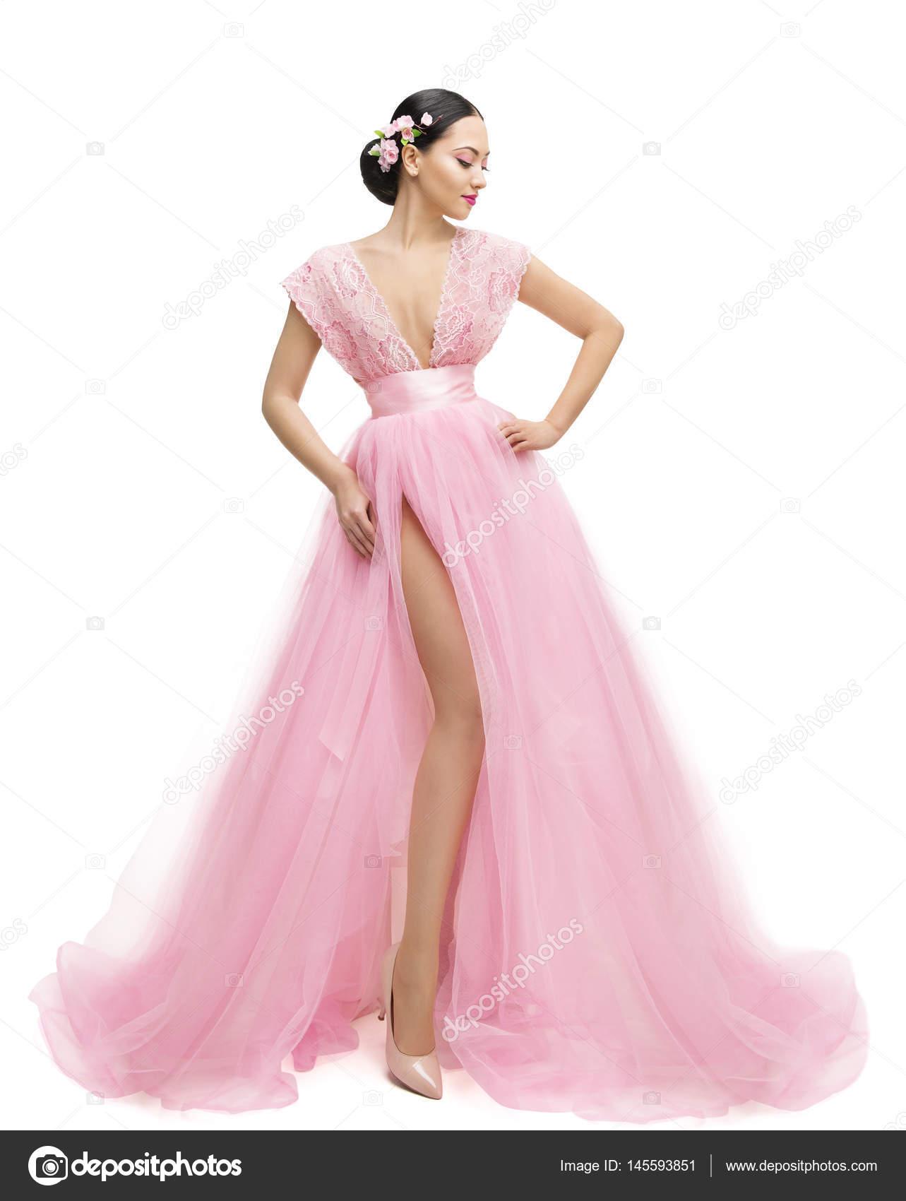 Moda modelo vestido, mujer en ropa larga rosa, chica joven — Foto de ...