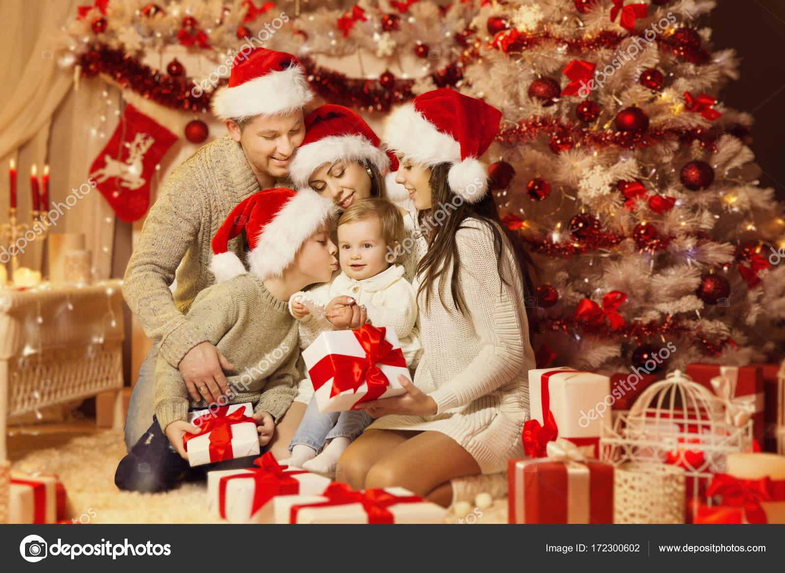 Weihnachten Family Portrait, glückliche Vater Mutter Kinder, Xmas ...