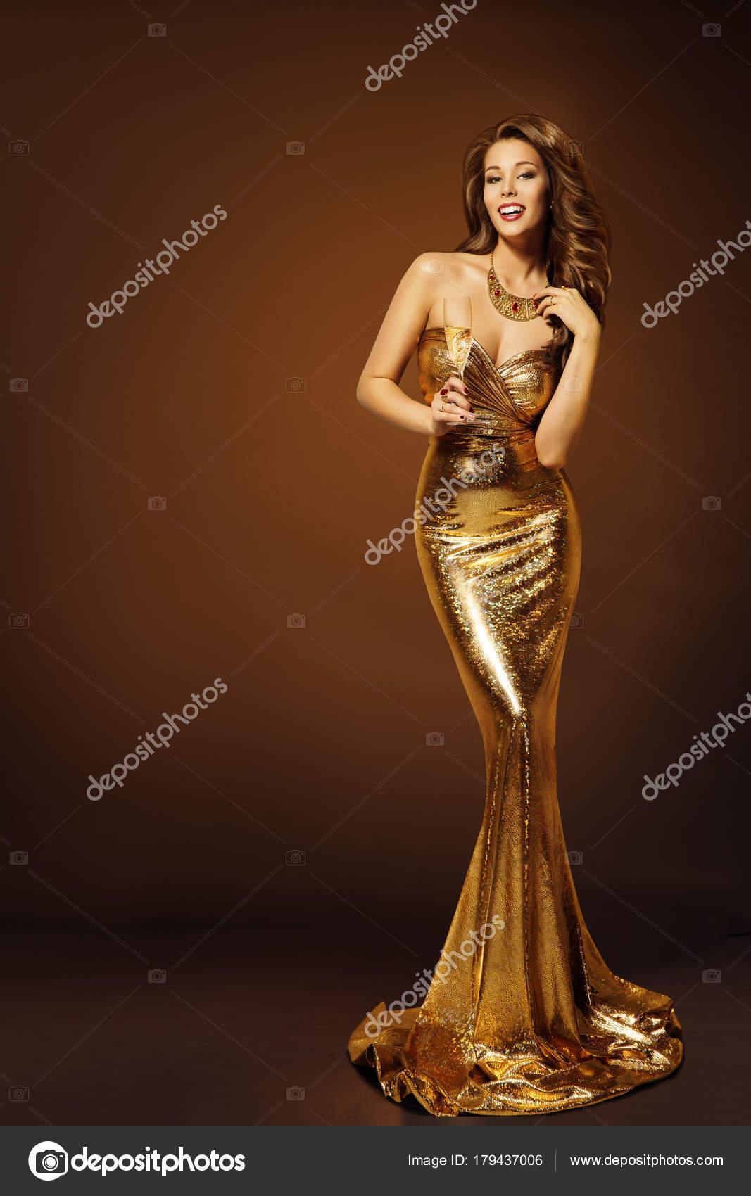 super popular 794c8 704c6 Moda modello oro vestito, donna in bellezza abito dorato ...