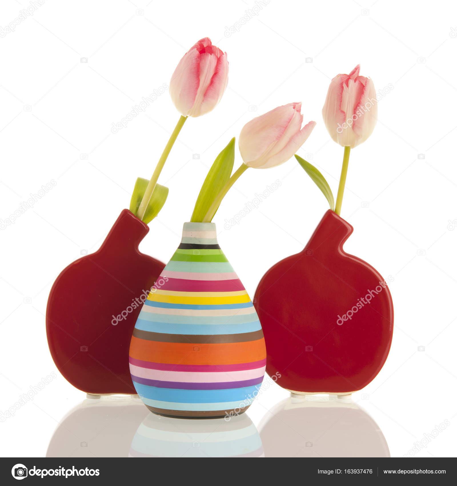 Moderne Vasen moderne vasen mit tulpen stockfoto ivonnewierink 163937476
