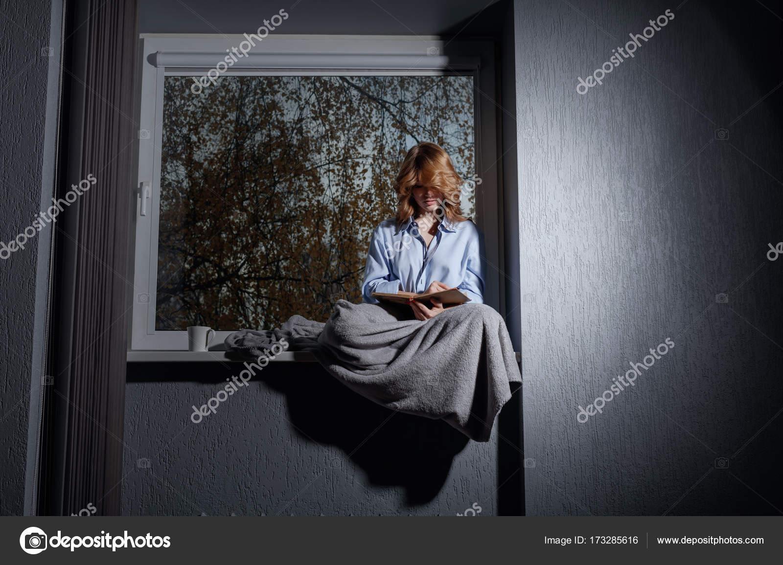 igorr1 173285616. Black Bedroom Furniture Sets. Home Design Ideas