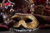 Régi karneváli maszkok.