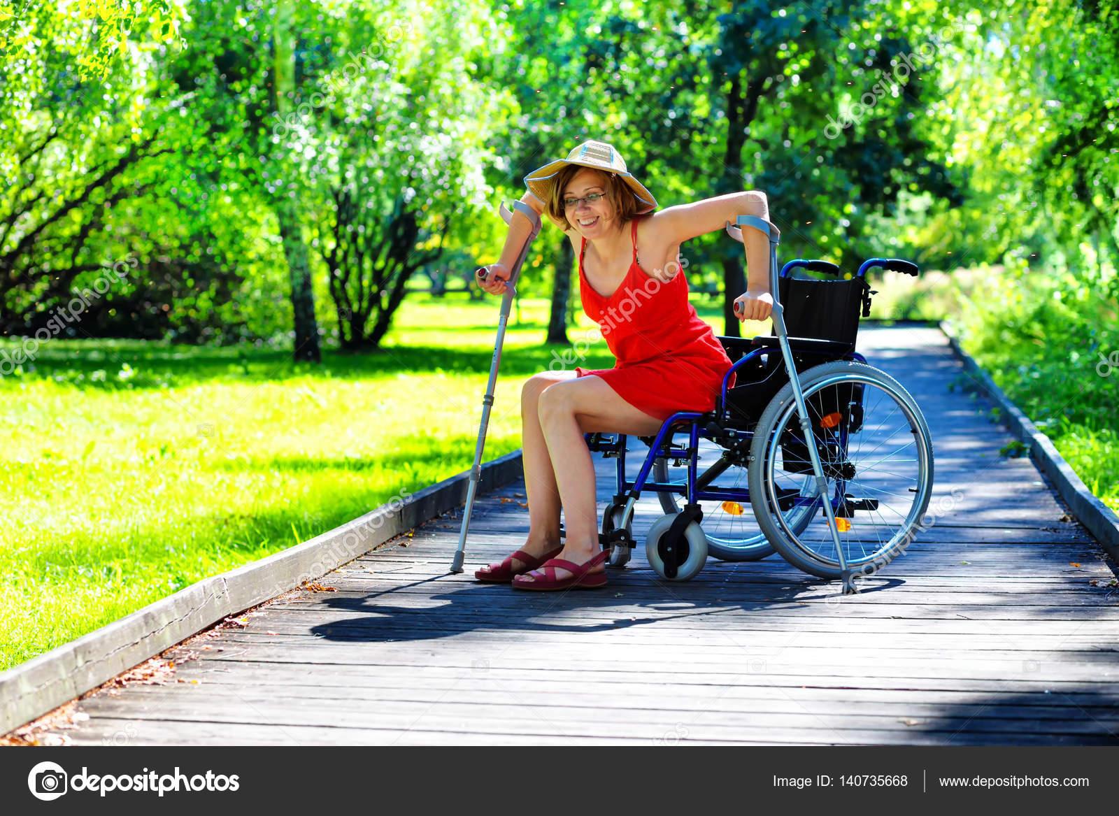 silla de ruedas que se levanta