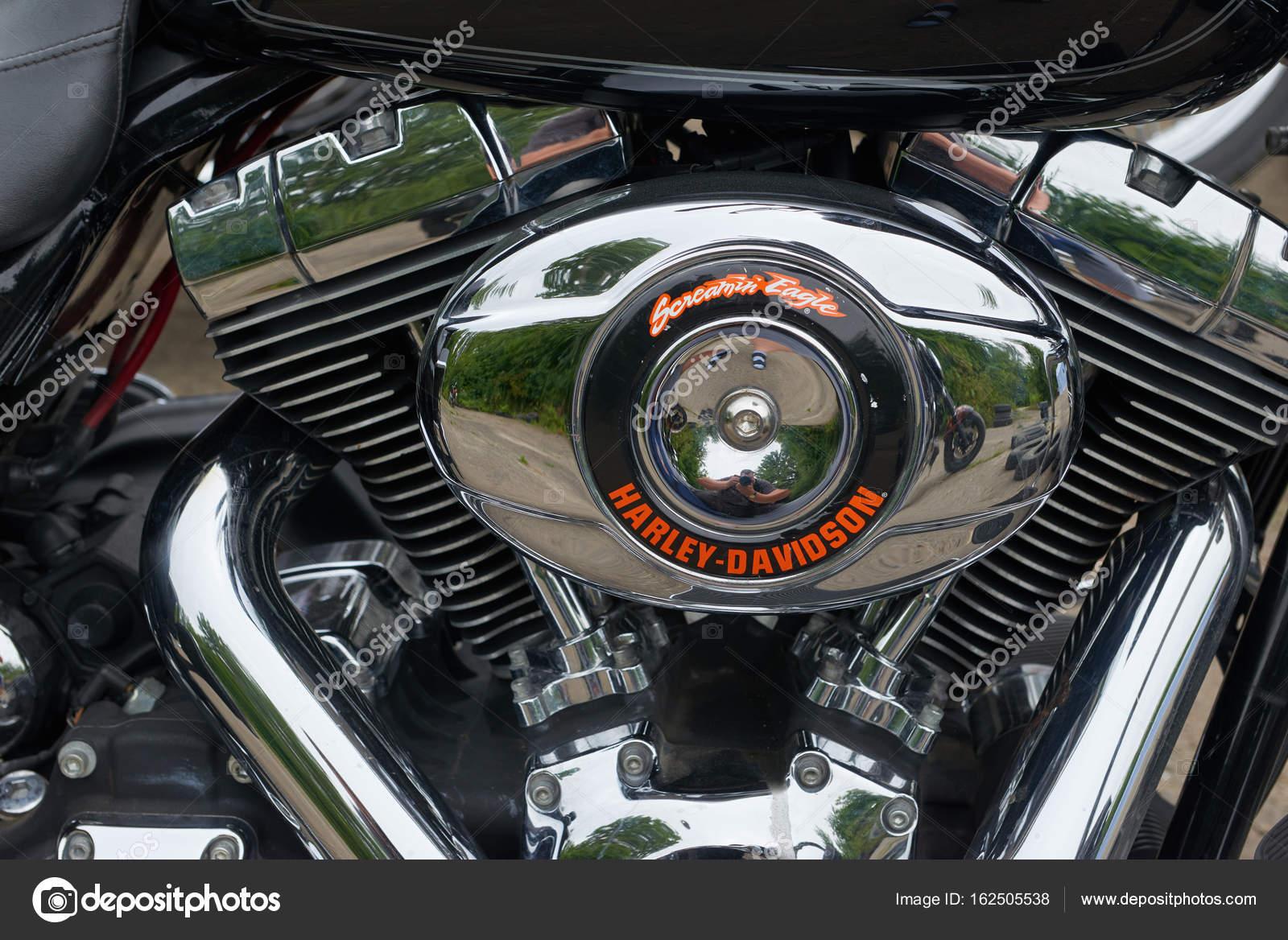 Detail der Motorrad hautnah — Redaktionelles Stockfoto © frescomovie ...
