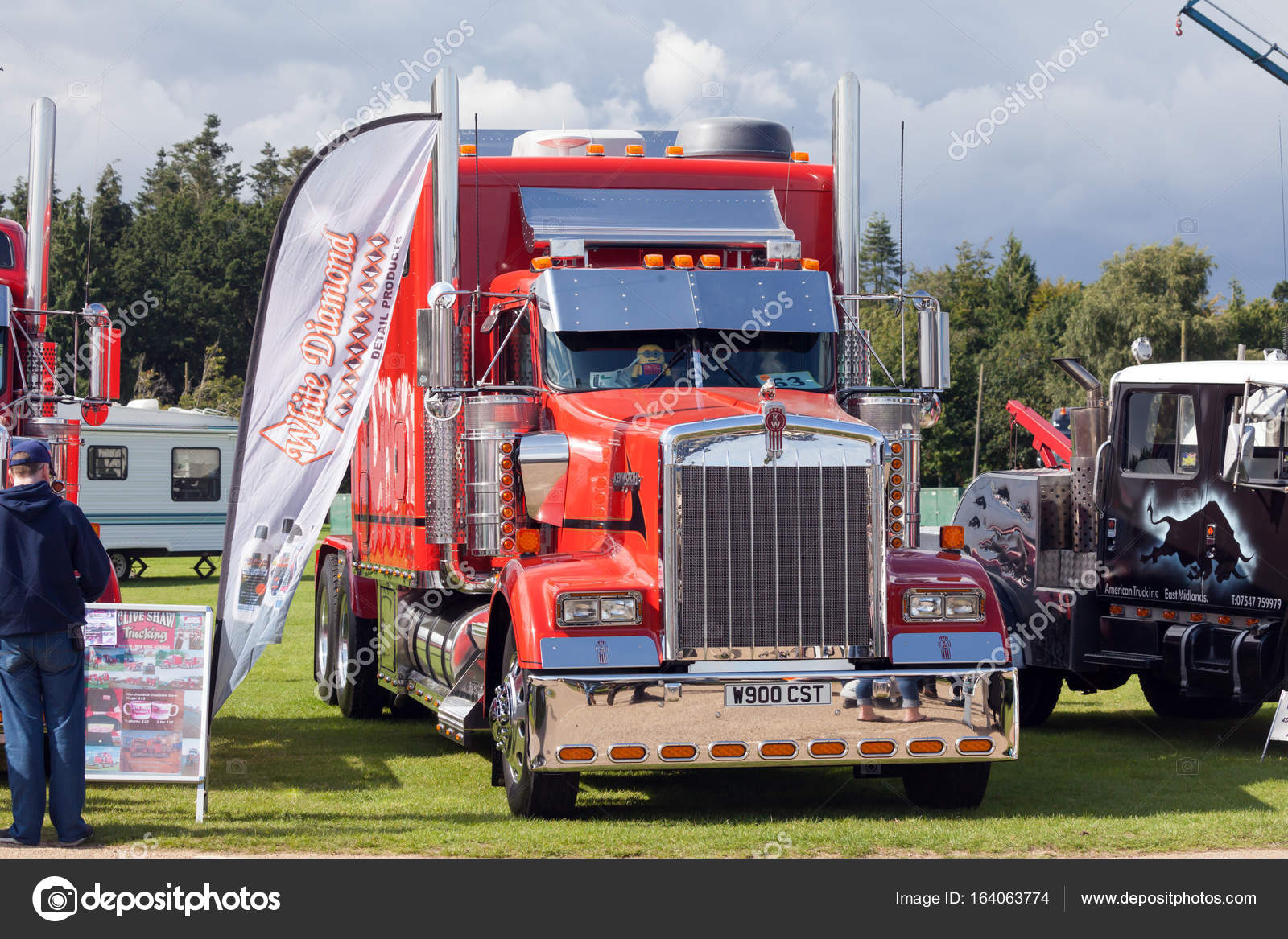 Perfect Kenworth red truck at truckfest 2017 – Stock