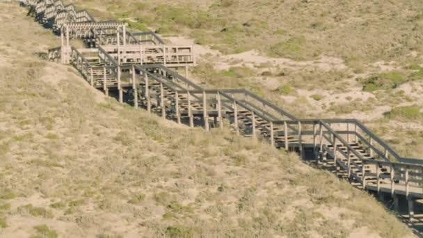 Fa lépcsők a bolzákon feletti repülés
