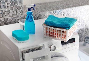 laundry powder on washing machine