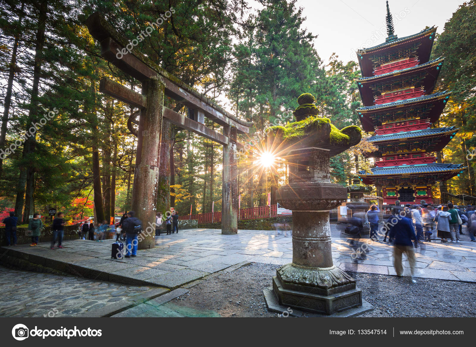 Tourists at Toshogu Shrine temple in Nikko, Japan – Stock Editorial Photo © P...