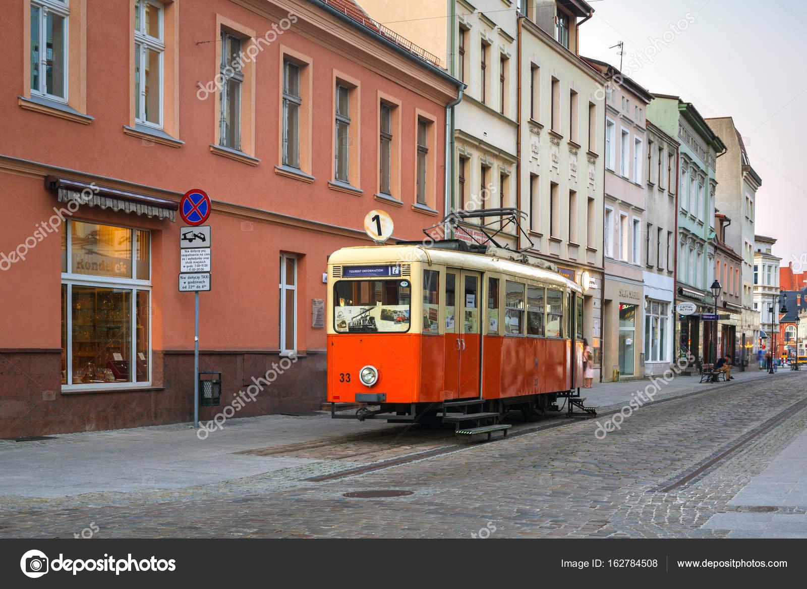 ポーランドの観光情報として古い...