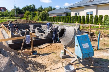 Cement mixer for house building