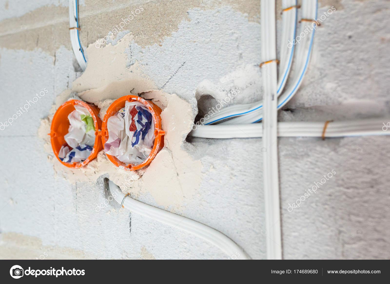 Neue Elektroinstallation Socket Kunststoffboxen Und Elektrische ...