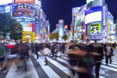 TOKYO, JAPAN - NOVEMBER 12, 2016: Shibuya scramble crossing in T