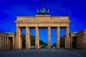 das brandenburger tor in berlin nachts, deutschland