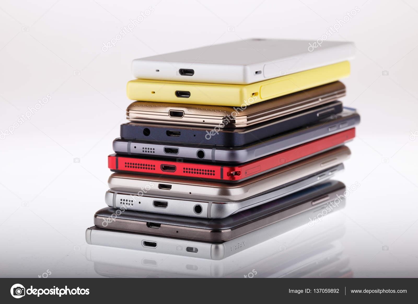 Handy-drahtlose Kommunikationstechnologie - smartphones — Stockfoto ...