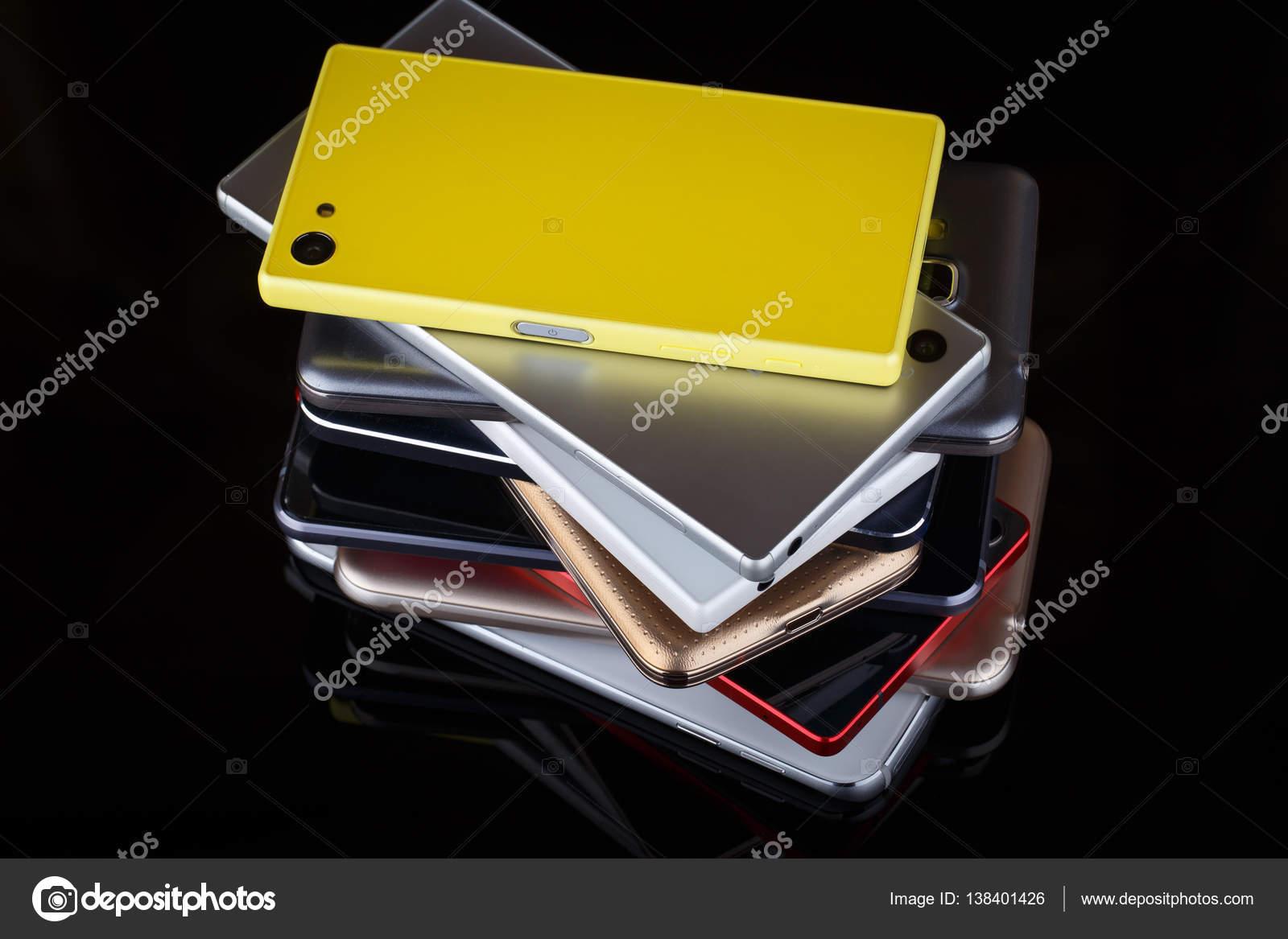 Handy-Technologie für drahtlose Kommunikation — Stockfoto © xtrekx ...