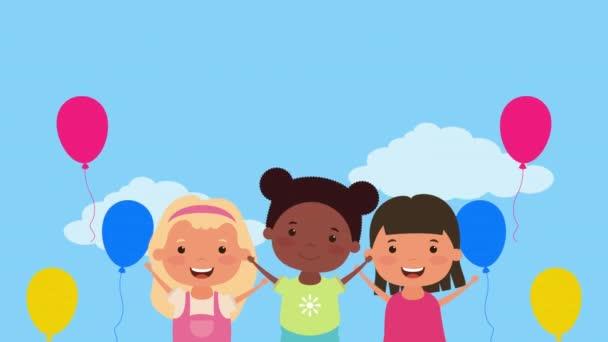 kis fajok közötti lányok lufikkal hélium