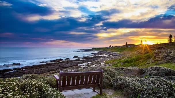 Západ slunce na pobřeží v Jižní Afrika časová prodleva