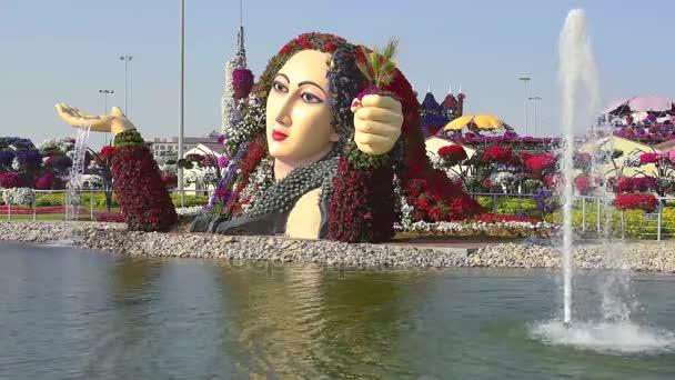 Krásná fontána v The Dubai Miracle Garden