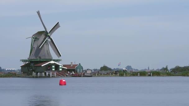 Zaandam větrných mlýnů v obec Zaanstad