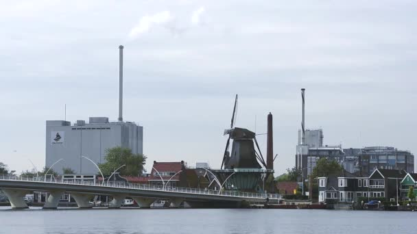 Zaandam větrných mlýnů a a průmyslové oblasti