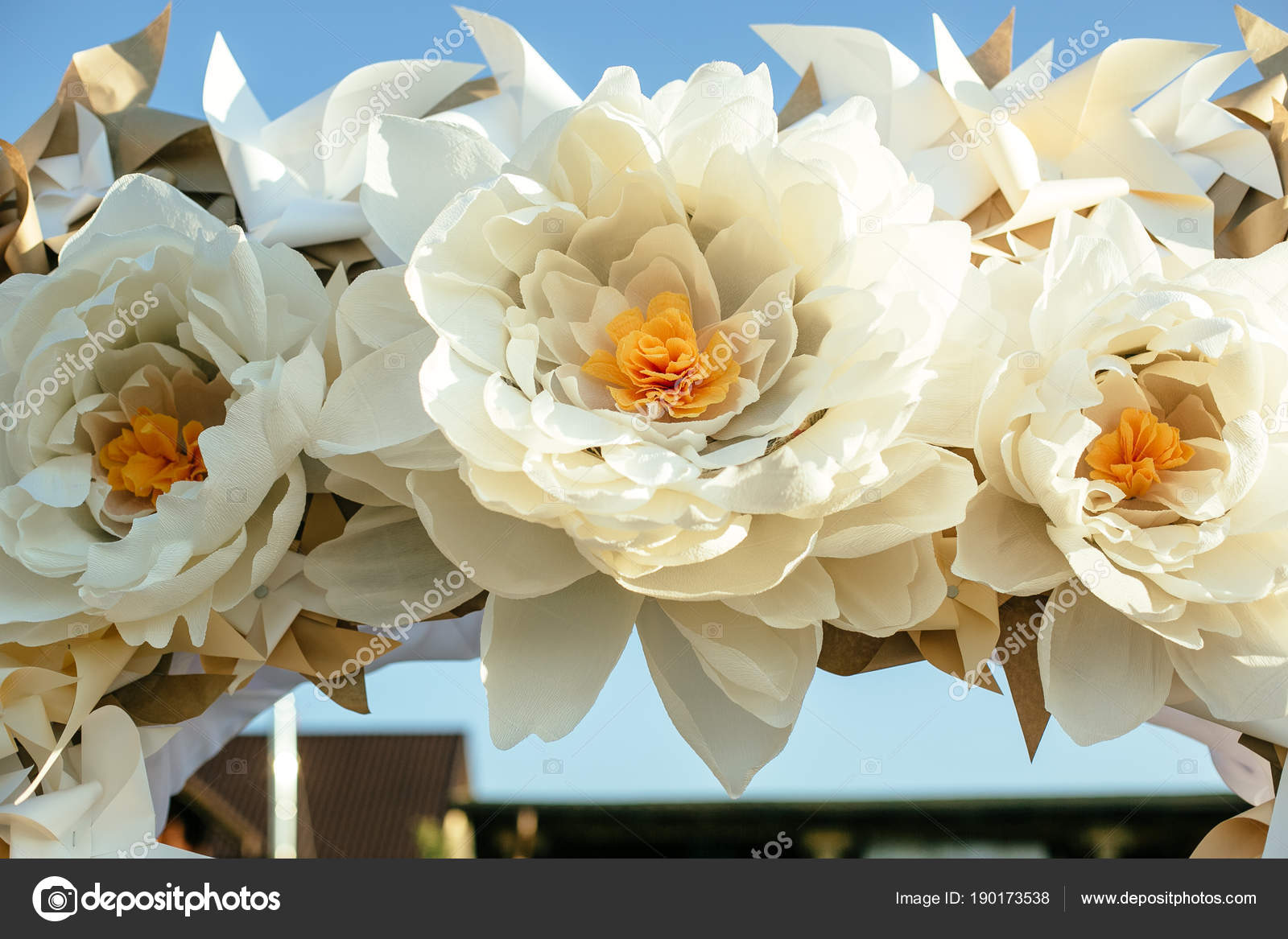 Paper Flowers In Wedding Decor Luxury Wedding Decorations For