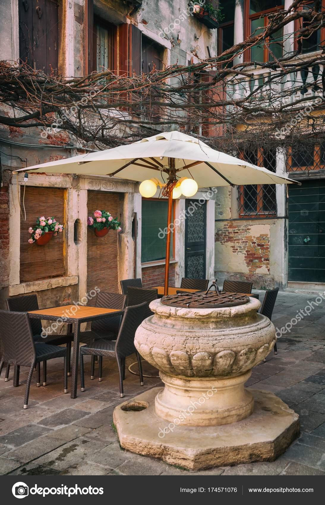 Piccolo soggiorno romantico a Venezia italiana — Foto Stock ...