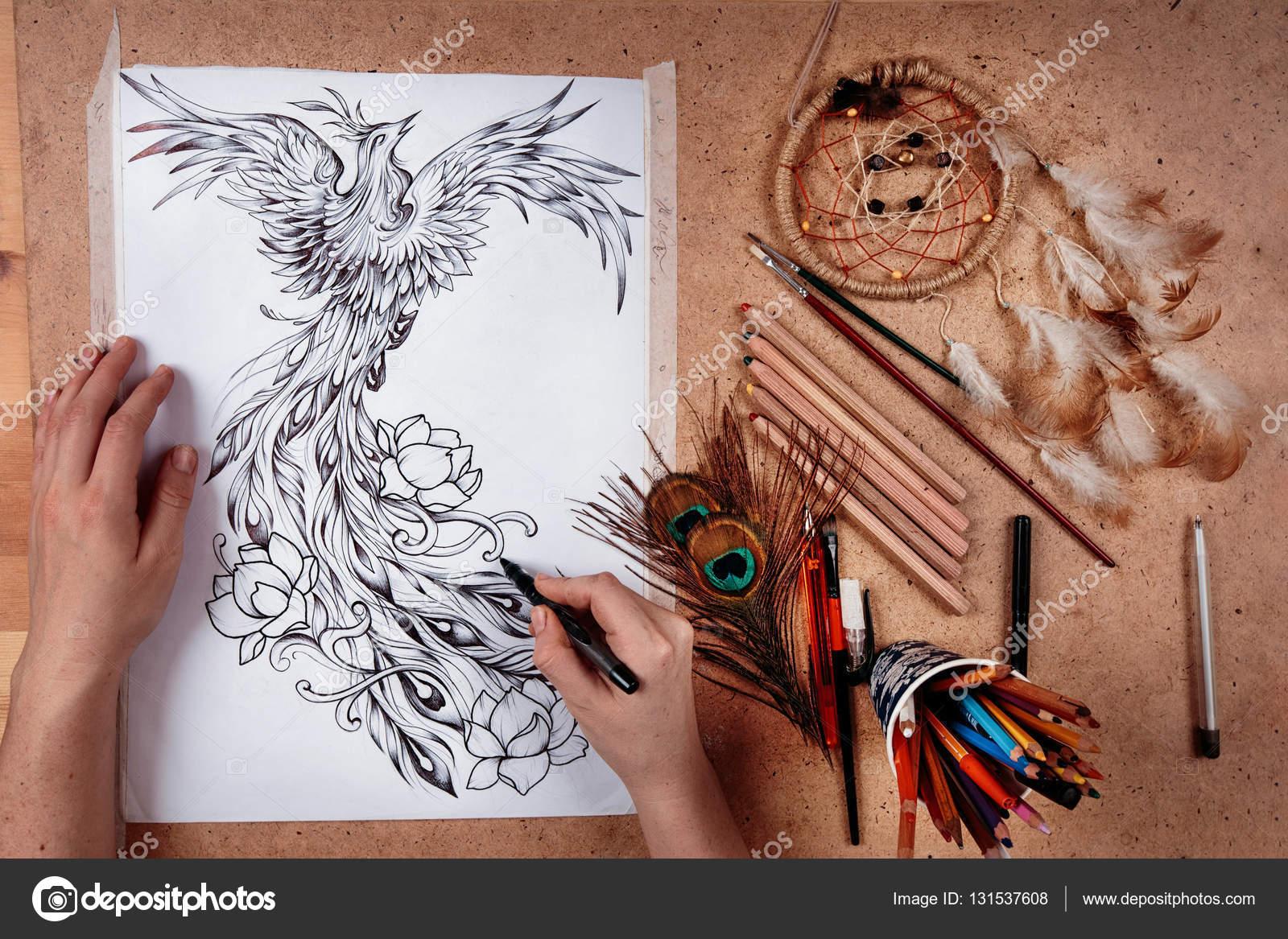 Dibujos Ave Fenix Dibujo De Un Ave Fénix En Entorno Creativo A