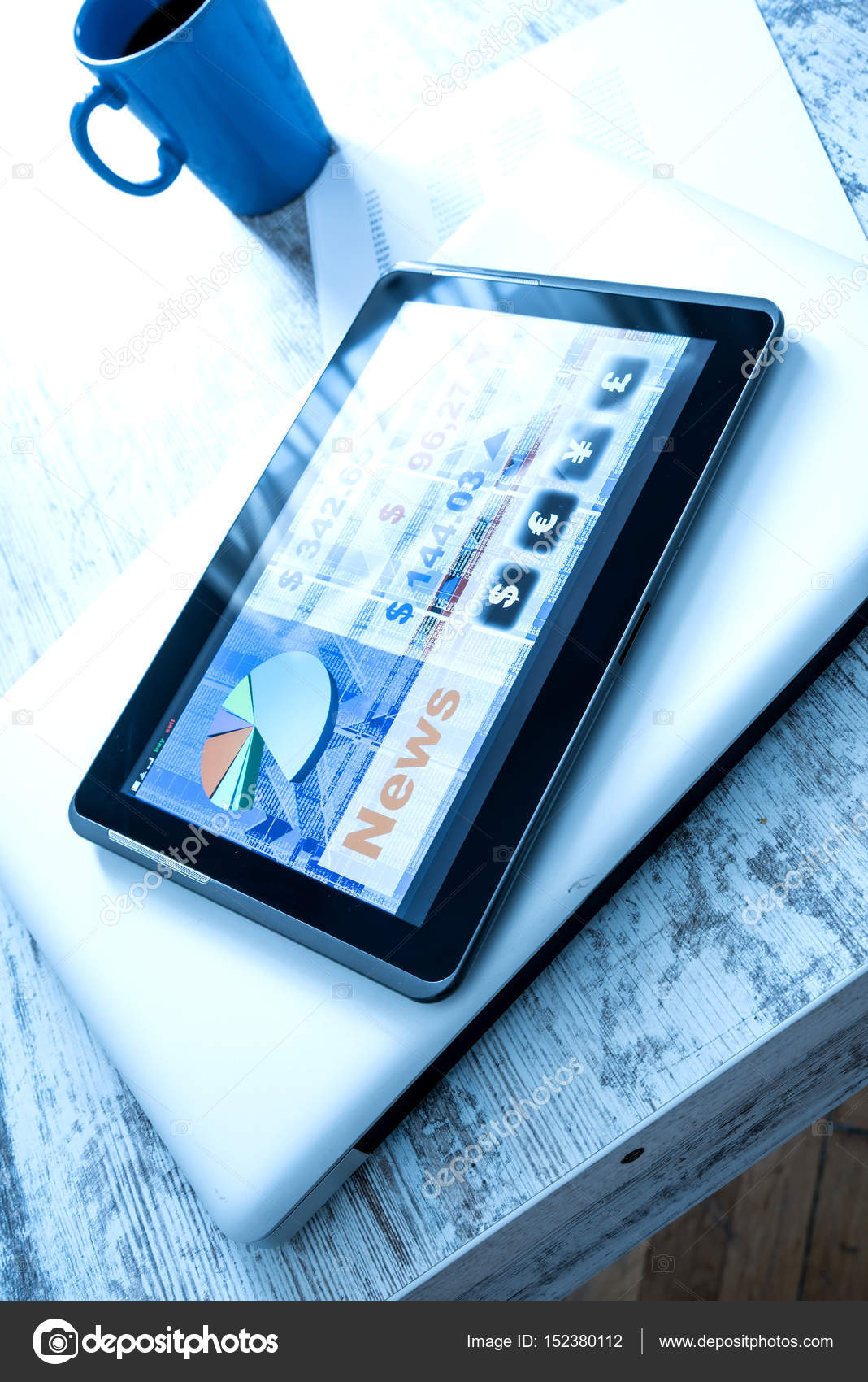 Stock market trading app on a Tablet PC — Stock Photo