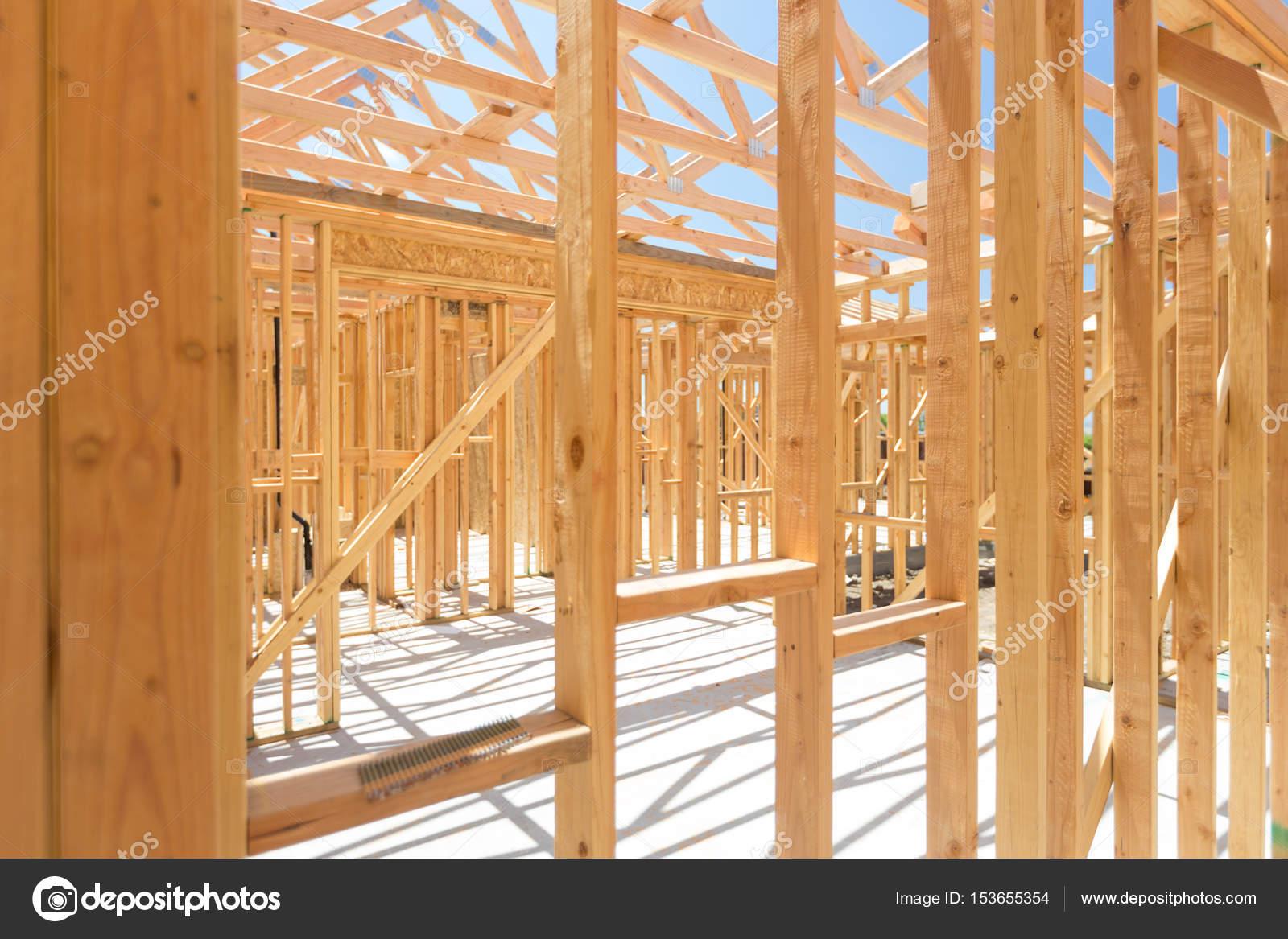 Holz Haus Gestaltung abstrakt auf Baustelle — Stockfoto © Feverpitch ...