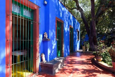 Colorful courtyard at the Frida Kahlo Museum in Mexico City