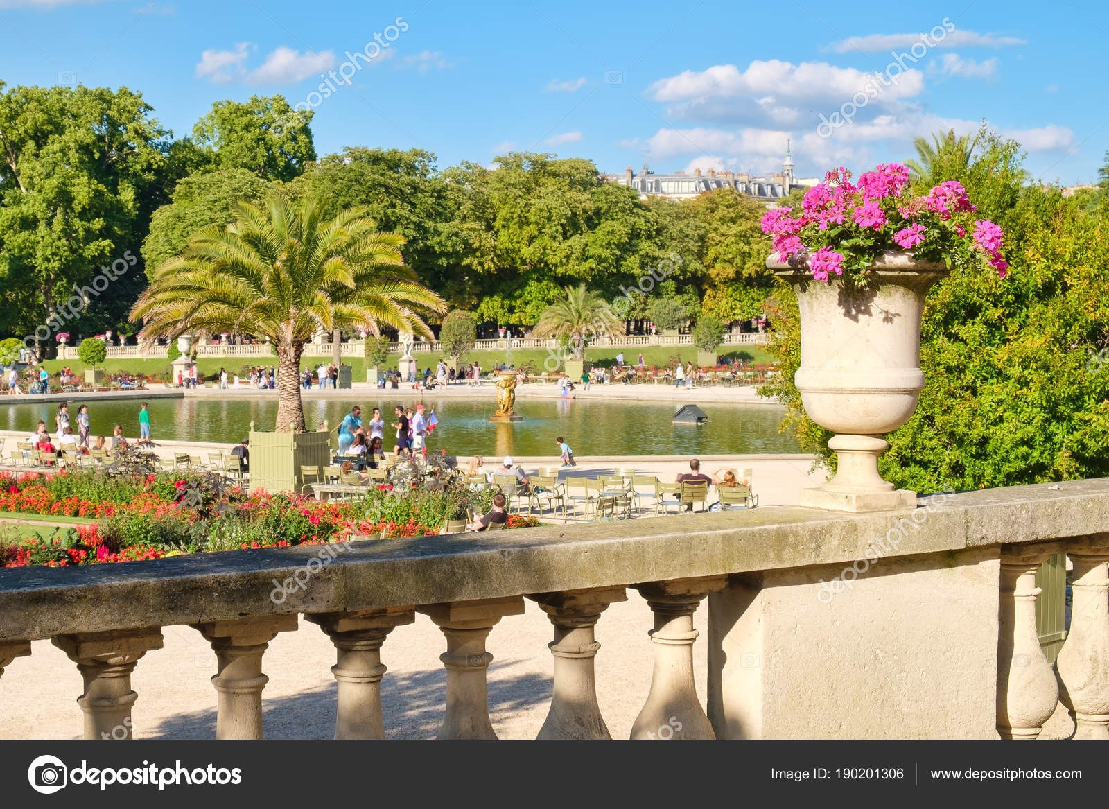 le jardin du luxembourg paris une journ e d t belle photo ditoriale kmiragaya 190201306. Black Bedroom Furniture Sets. Home Design Ideas