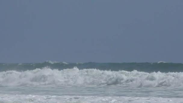 Tichý oceán v Rio del Mar, Santa Cruz County, Kalifornie, USA, 2018