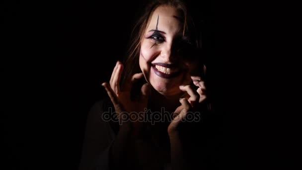 Zblízka portrét démona