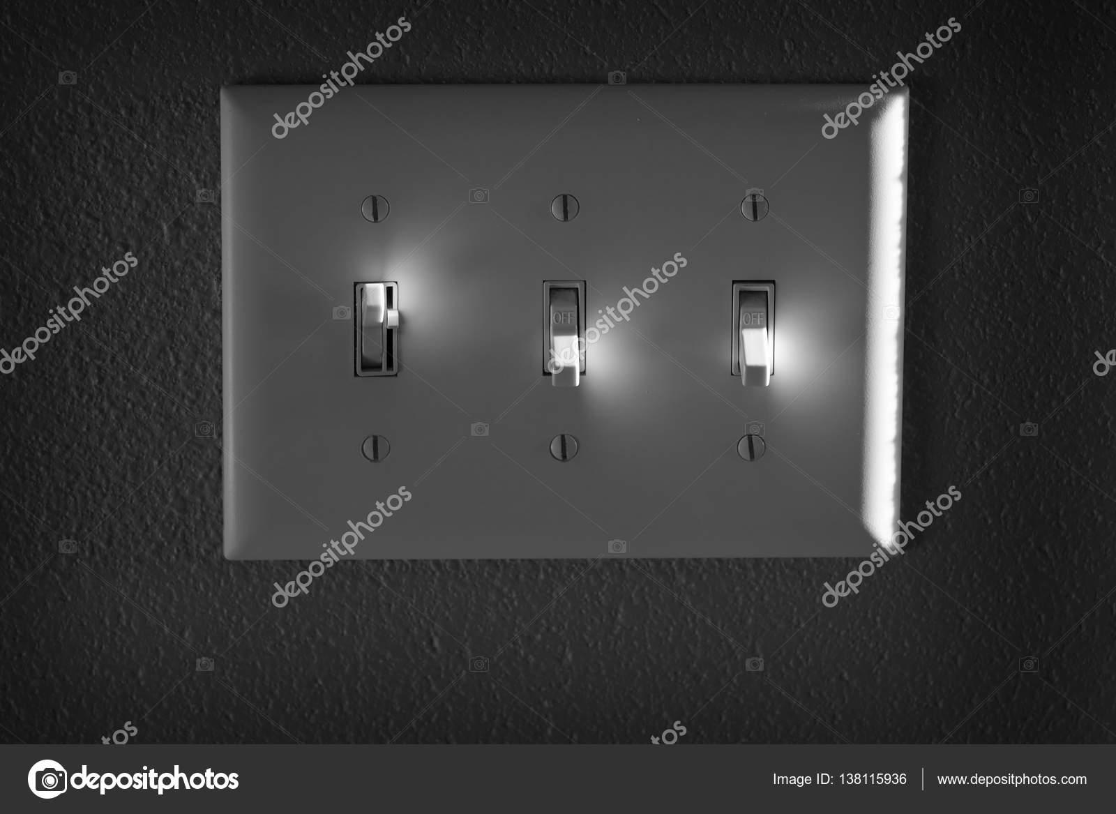 Licht oder Power-Schalter auf Wand Highlights ein- und ausschalten ...