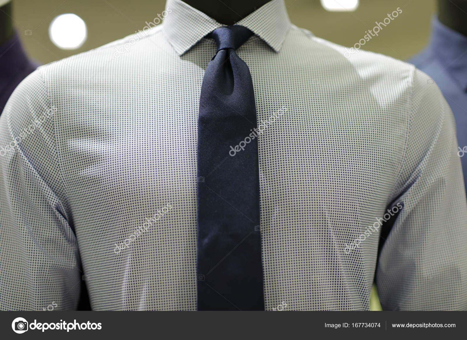 83680ff886da Ανδρικά επαγγελματικά πουκάμισο και γραβάτα — Φωτογραφία Αρχείου ...