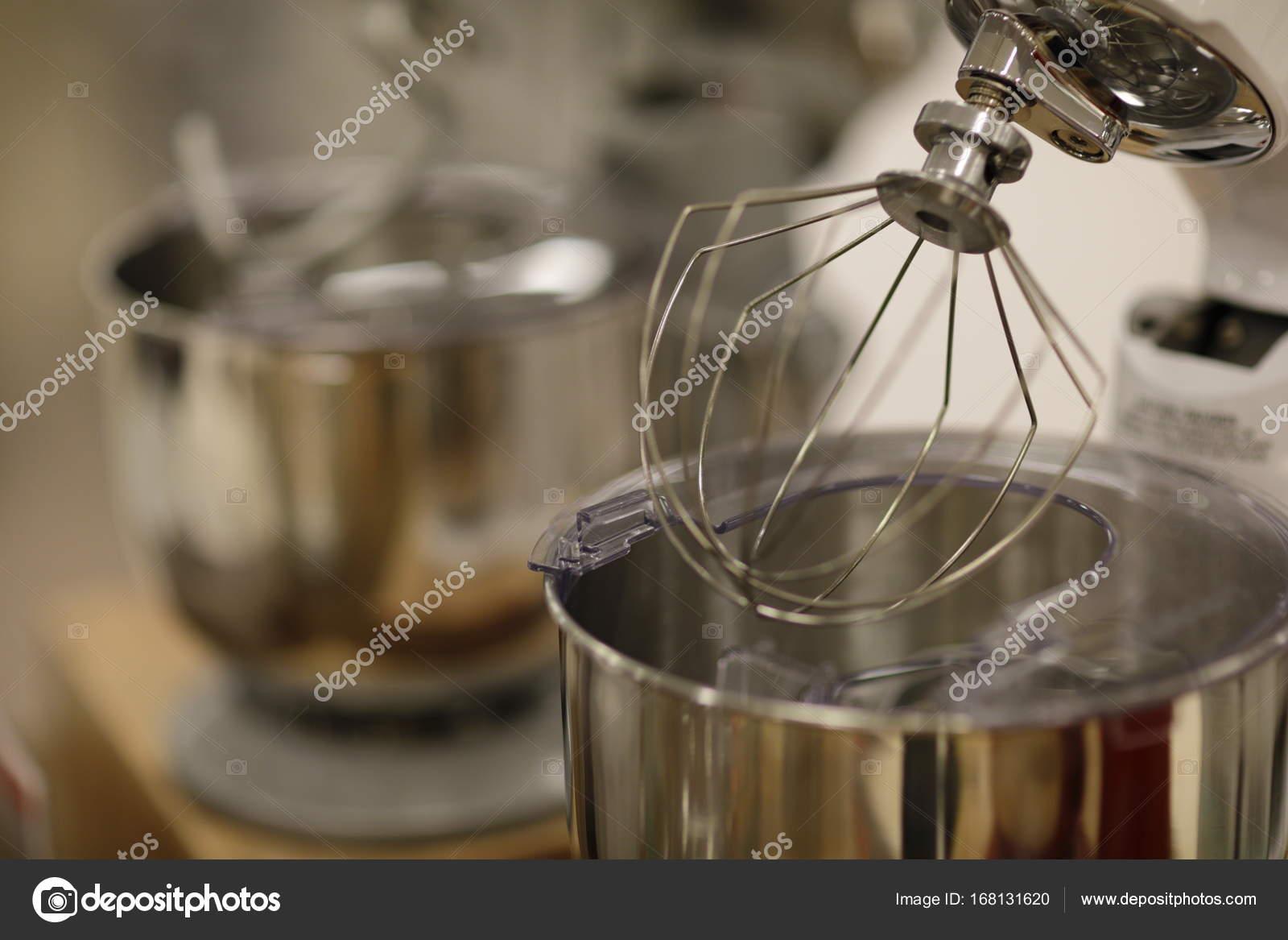 Mezcladora de cocina comercial — Foto de stock © felixtm #168131620