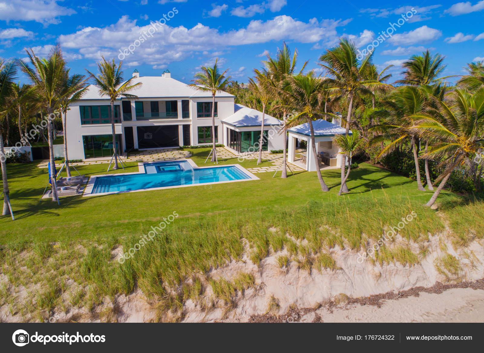 Aerials Of Luxury Homes In Boynton Beach FL USA U2014 Photo By Felixtm