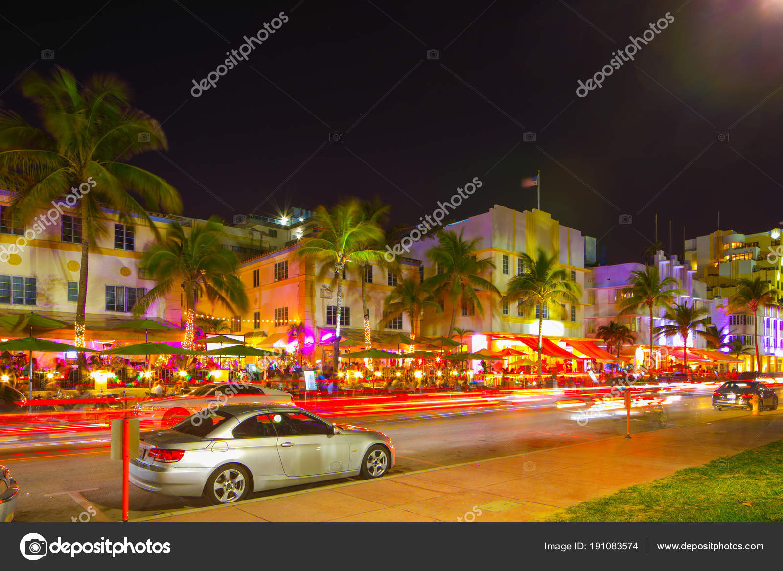 Ocean Drive Miami Beach Night Scene Restaurants And Deco