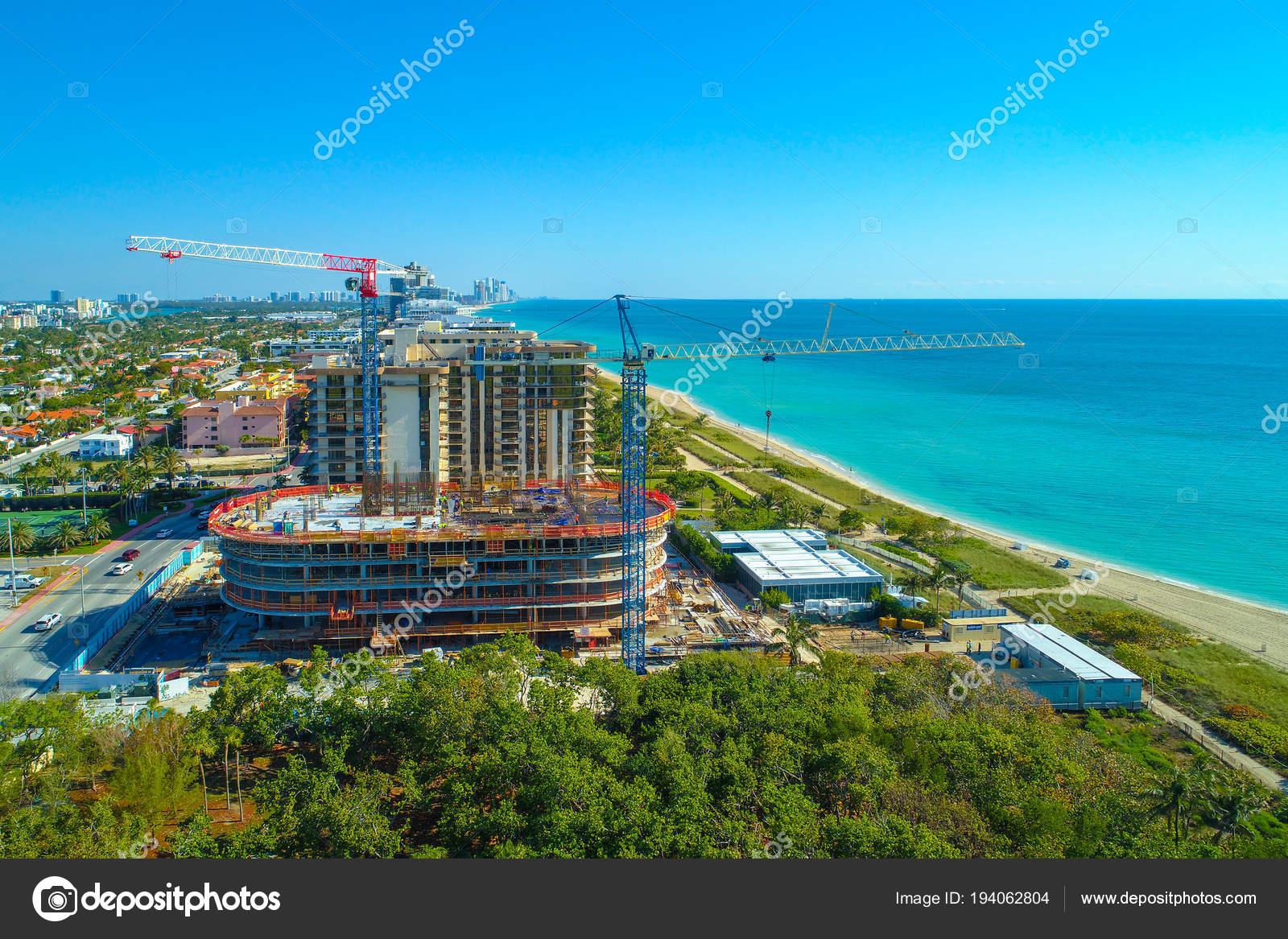 condo résidentiel architecture bord mer miami beach floride usa