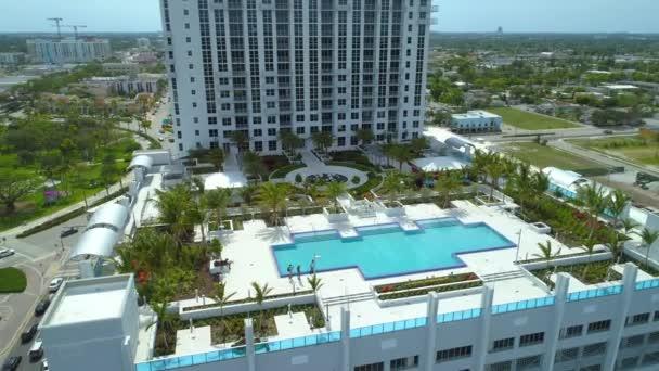 Aerial Ansatz Swimming Pool Lounge Dachterrasse