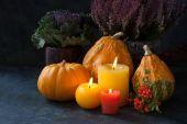 Podzimní výzdoba svíčky a květiny
