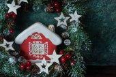 Fotografie Vánoční cookie dům a slavnostní výzdoba