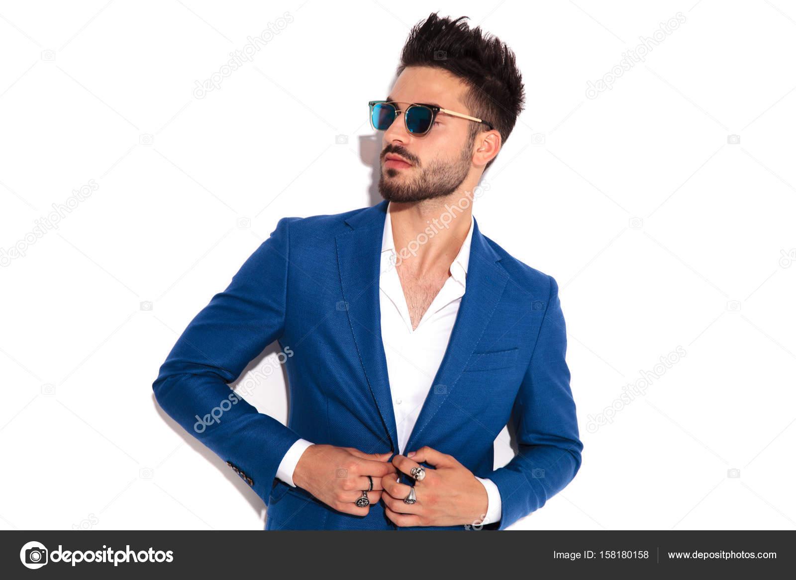 De Se Gafas Sol Y Llevaba Elegante Que Abotonarse Su Hombre Traje T1JKclF