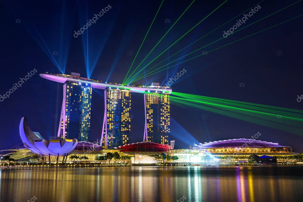 marina bay sands at night during light and water show wonder f