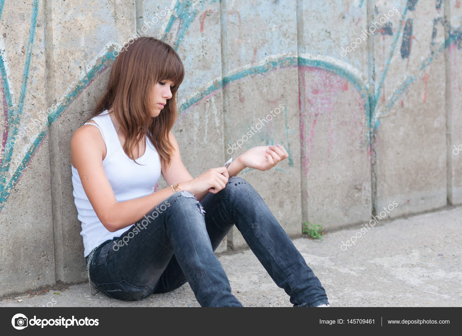 depression in teenage girls This brochure helps teens understand depression and how it differs from regular sadness it describes symptoms, causes, treatments, and how to get help.