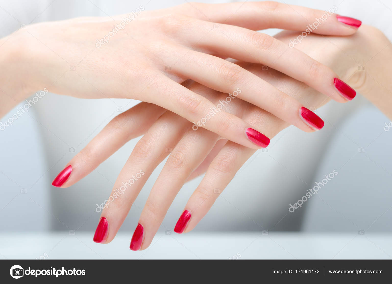 Beautiful hands and long manicured fingernails — Stock Photo ...