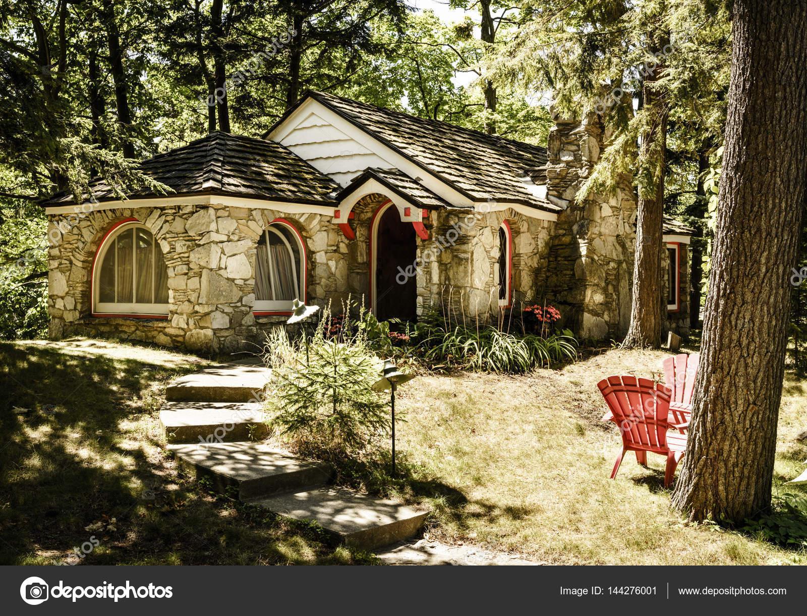 Hobbit Haus hobbit haus im wald redaktionelles stockfoto alexeys 144276001